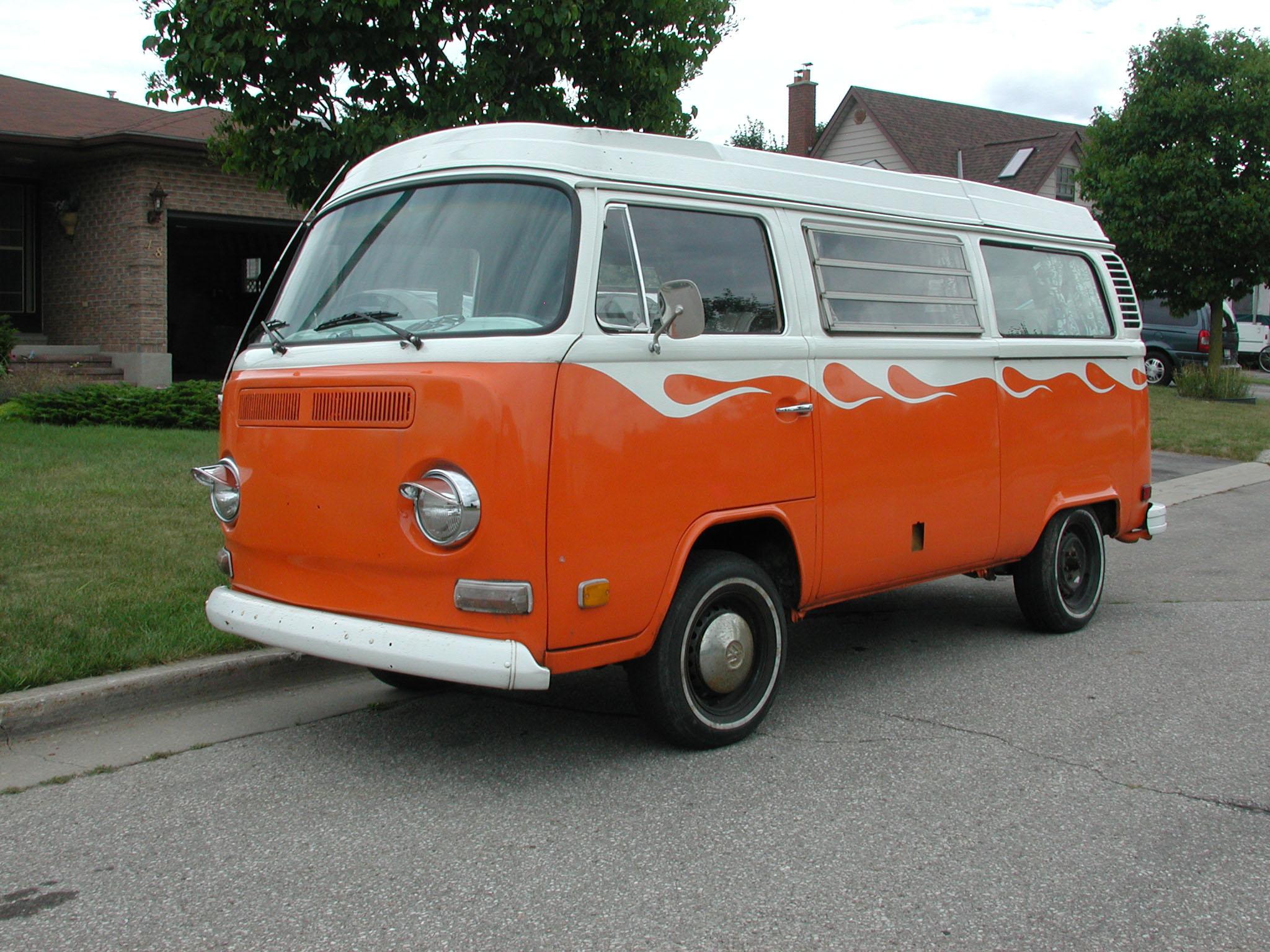 Old Volkswagen Van - Viewing Gallery